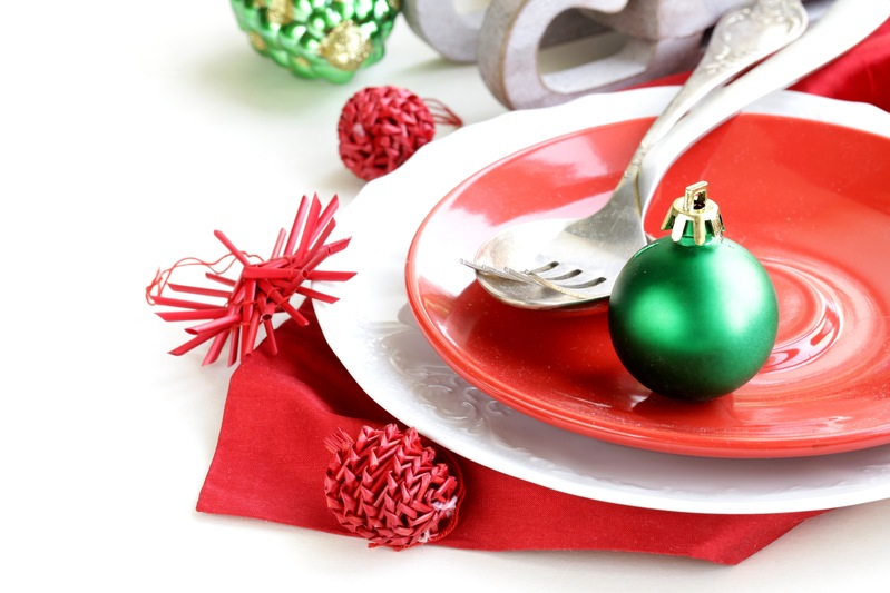 7 Holiday Dinner Place Card Alternatives to Try This Season