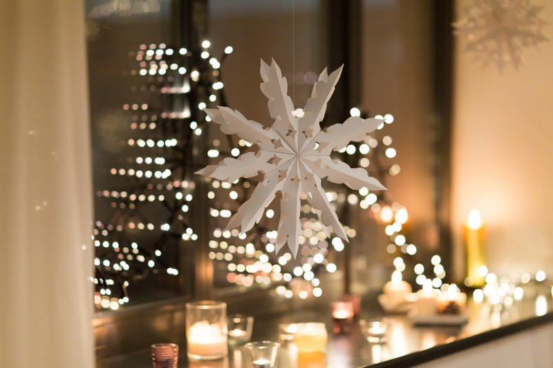 Ideas for Creative Seasonal Window Decorating