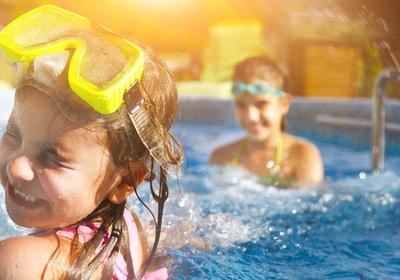 5 More Perks of Pool Enclosures in Florida