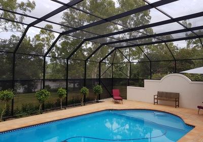 4 Big Benefits of Florida Pool Enclosures