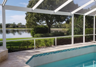 Why Pools In Florida Are Enclosed