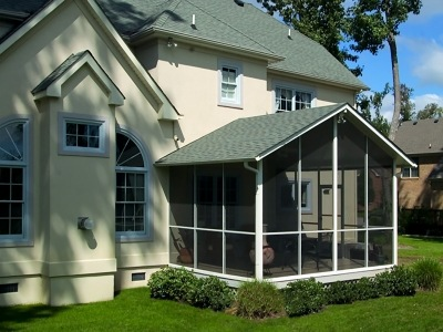 Enjoy Fall Weather with a New Florida Screen Room